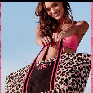 VICTORIAS SECRET Weekender Duffle Bag
